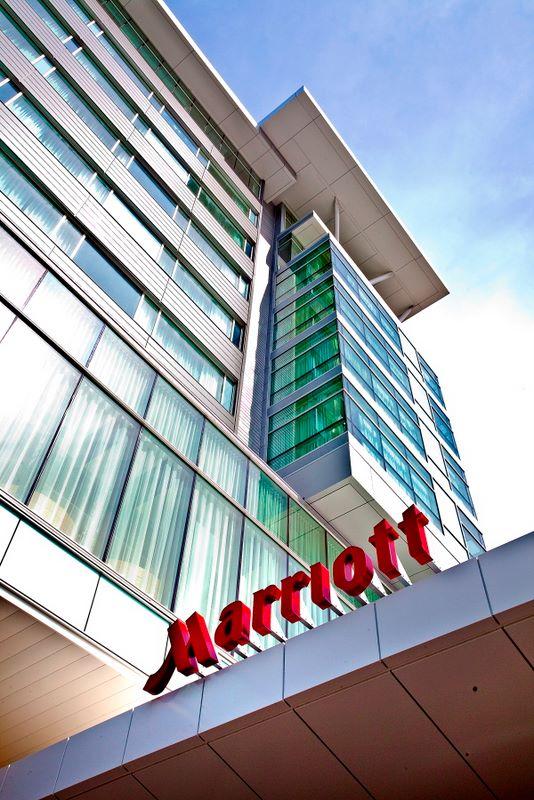 MarriottAirport_008